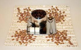 Испанский дизайнер придумал посуду из кофе