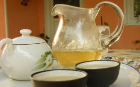Зеленый чай и кофе могут снизить риск инсульта, утверждают ученые