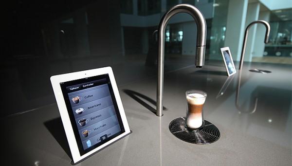 Загляните в будущее с кофе-машиной под управлением iPhone