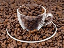 Отказ от кофеина может вызвать те же симптомы, что и отказ от спиртного у алкоголика