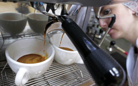 Британские ученые: кофе полезно пить в обед