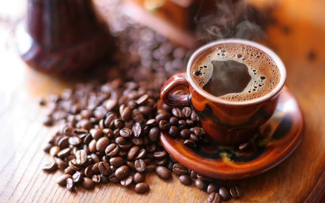 В какое время лучше всего пить кофе?