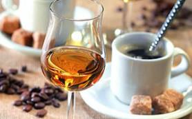 «Токсичный дуэт»: кофе с коньяком назвали опасным «коктейлем»
