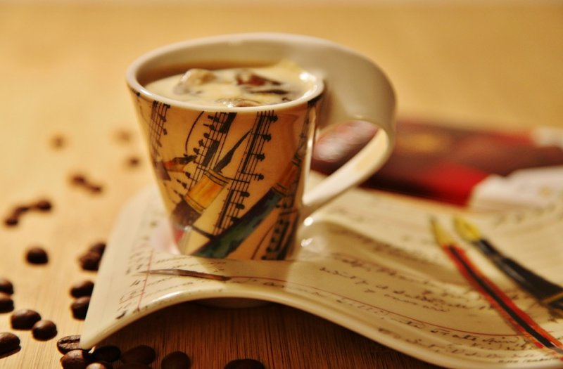 Холодный кофе — бодрящий напиток летним зноем