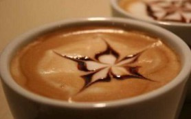 Некоторые виды кофе содержат больше калорий, чем двойной чизбургер