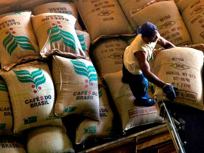Рост цен на кофе связан с засухой в Бразилии