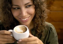 Кофе значительно опережает по популярности чай, своего ближайшего конкурента