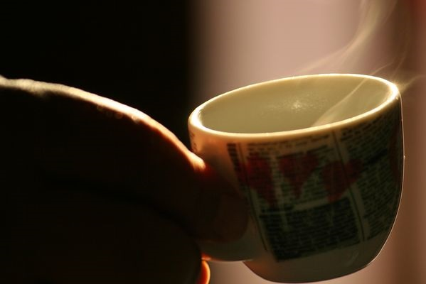 Кофе не только помогает нам взбодриться с утра, но и оказывает влияние на весь наш организм в целом
