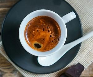 От воспаления и возрастных недугов вас спасет кофеин