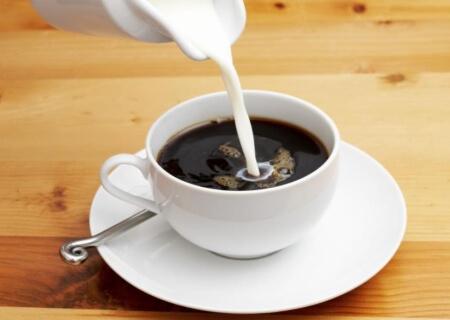 На что можно заменить молоко в кофе