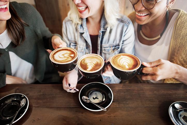 4 чашки кофе в день опасны для женщин