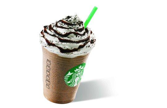 Starbucks отказывается от роботизации рабочих мест и предлагает особый Фраппучино к премьере мюзикла
