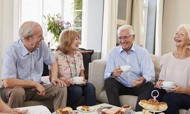 Пожилым людям выписывают танцы и кофе против одиночества
