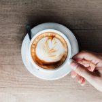 Суд Калифорнии требует писать на кружках с кофе о риске рака