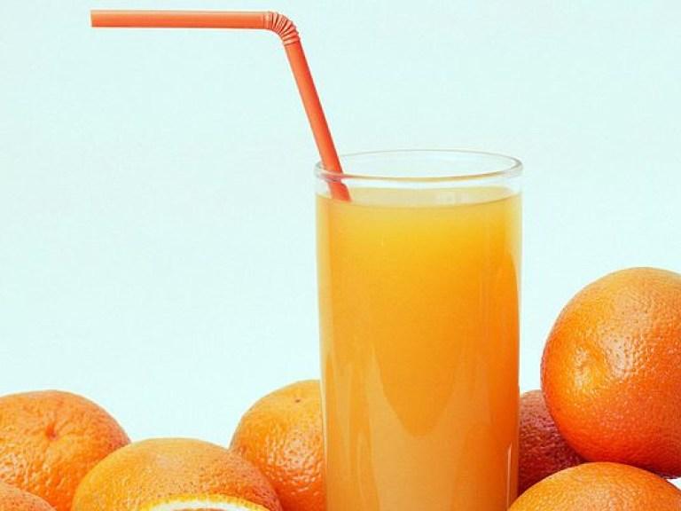 Кофе и апельсиновый сок опасно пить по утрам