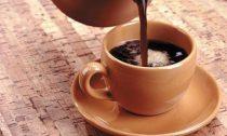Кофе улучшает взаимодействие в коллективе — ученые
