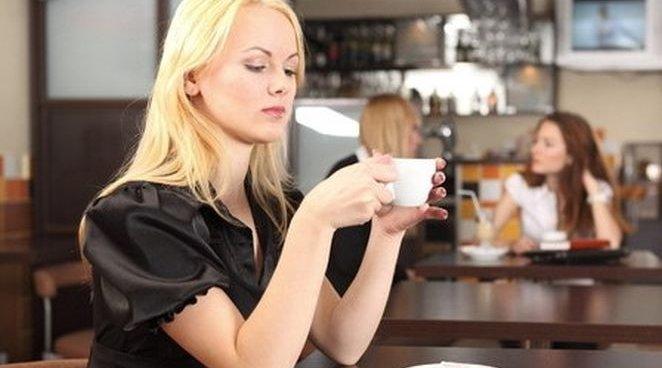 На состояние зубов влияет отказ от кофе