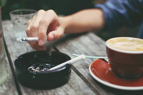 Пить кофе опасно: в Калифорнии употребление кофе приравняли к курению