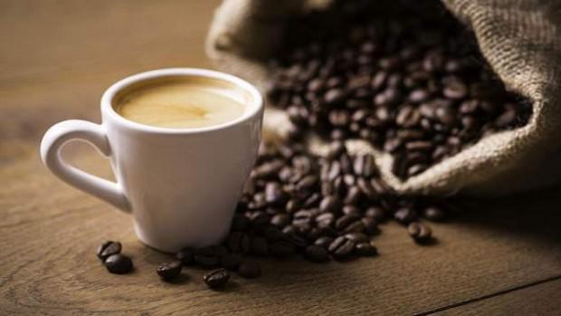 Шесть чашек кофе в день могут снизить риск преждевременной смерти