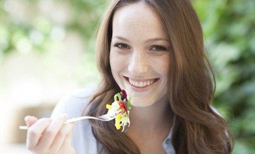 Правильные витамины и отказ от кофе — рецепт счастья