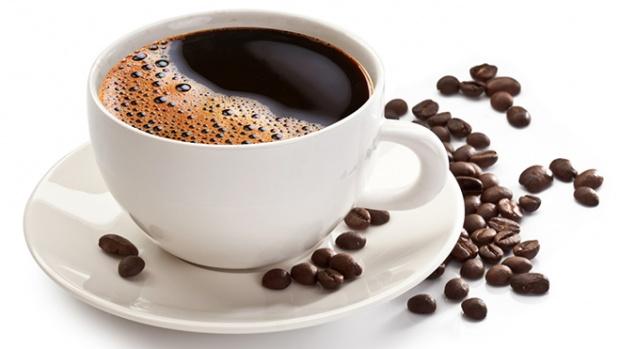Медики объяснили, почему нельзя пить кофе утром