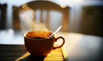 Можно ли пить кофе утром: правила употребления