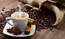 Пей кофе: врачи назвали безопасное количество напитка