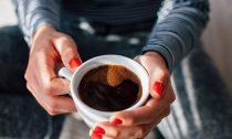 Менее 6 кружек кофе в день не опасны для здоровья