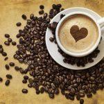 Бодрящий напиток: что происходит с телом, если пить кофе каждый день?