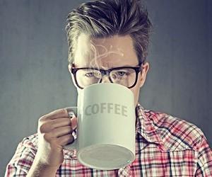 Как избавиться от плохого запаха изо рта после кофе
