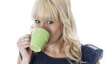 Кофе в гладких чашках имеет более приятный вкус