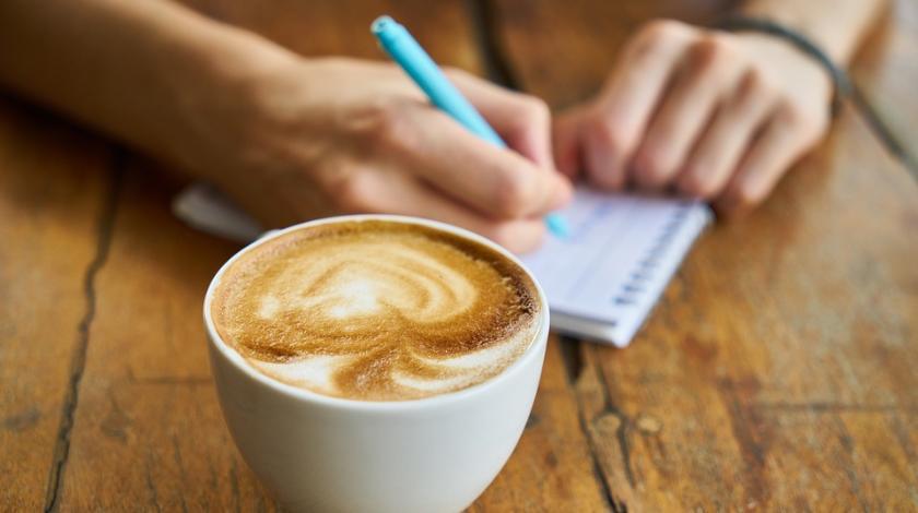 Приведет к инфаркту: кому нельзя пить кофе на завтрак