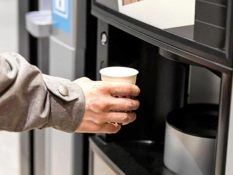 Может вызывать инфекции и рак: названа опасность кофе из уличных автоматов и кофемашин