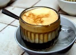 Кофе с яйцом и сливками