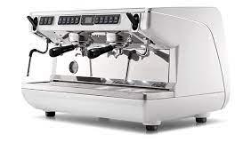 Кофемашина Appia Life с расширенными функциями идеально подходит для сетей кофеен со средней производительностью