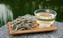 Перечислены полезные свойства белого чая